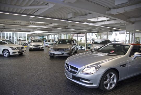 Ausstellung_1_Autohaus_Hillenberg_Mercedes-Benz_Bergisch_Gladbach
